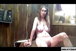Mature milf housewife raillery on cam - Join hotcamgirls69.com for free live camgirls