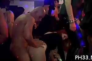 Drunk cheeks in abscond engulfing rod while somebody fucking their pussy