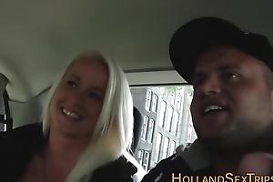 Dutch floozie gets fingered