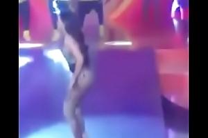 Anitta Rebolando Bem Sexy !!!!!