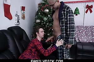 FamilyDick - Old man fucks his darling boy more than Christmas Eve