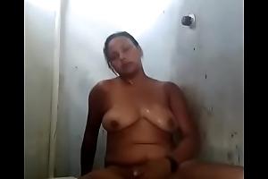 Mulher se masturbar no banho