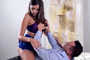Busty lovers can'_t wait with respect to descry Romanian Sex Goddess Sensual Jane ride cock