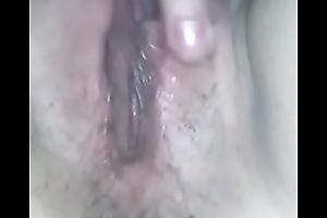 Andrea masturbandose