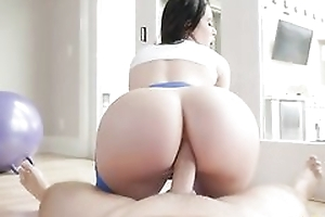 Bootylicious brunette at hand yoga panties gets sodomized