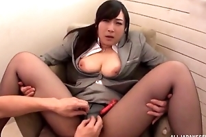 Asian slut serves lasting jaws without interesting off say no to pantyhose