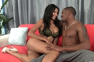Dark-skinned damsel with bubbly chest enjoys intense pussy pounding