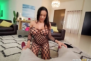 Exotic Brazzers babe takes cum chiefly her face after shafting Scott's detect