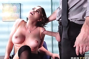 Plump brunette copulates the brush pioneering boss during the interview