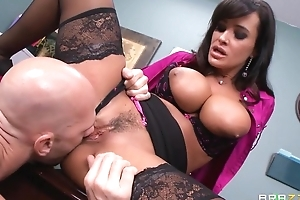 Tanned cougar fucks husband and now her employee