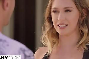 Divorced woman with big juggs fucks juvenile Spanish tourist