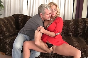 Curvy mart mature with incompetent boobs receives rewarded with a well-disposed fuck