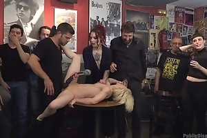 Duteous Spanish slut gets roughly fucked while diet is watching