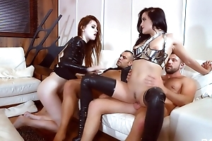 Three nymphomaniac sluts get wide fucked in be passed on living area