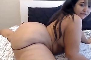 Chubby ass latin chick masturbates up front of the camera
