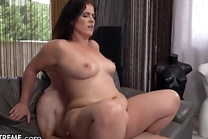 Slightly big MILF with natural boobs bonks young people