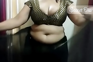 Sexy shona bhabhi credo on the other hand here wear saree